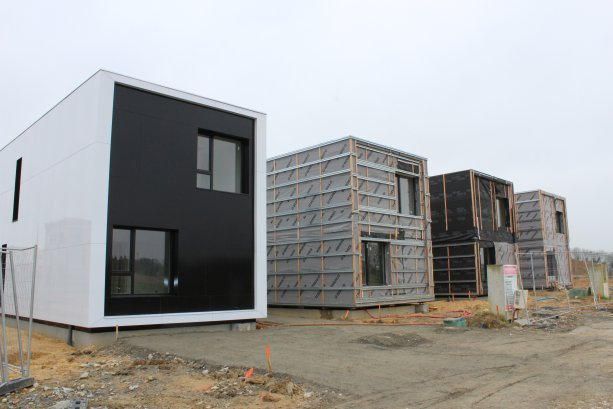Brest un projet de maisons container l arr t maison for Maison construction rapide