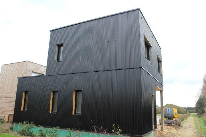 Bardage de maison container rev tement en bois pvc t le - Maison en tole ondulee ...