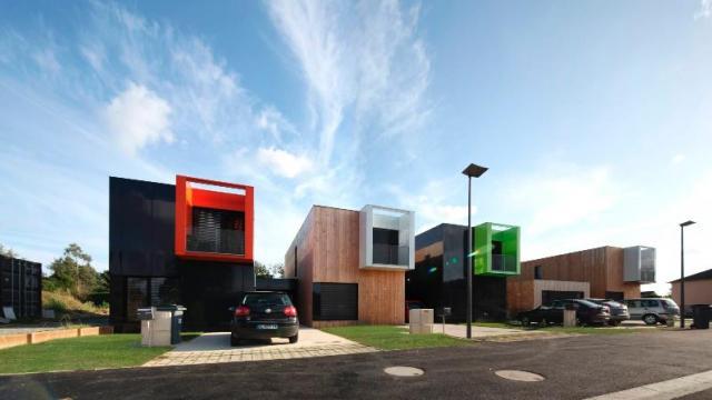 Brest un projet de maisons container l arr t maison for Maison container 44