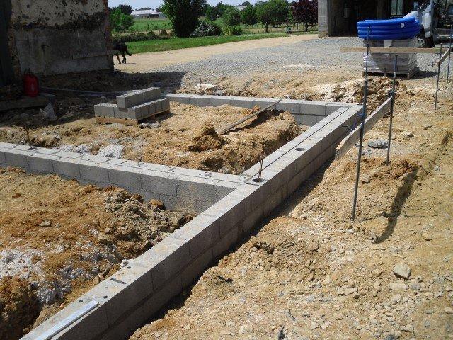Fondations d 39 une maison container quel type choisir - Isolation des fondations d une maison ...